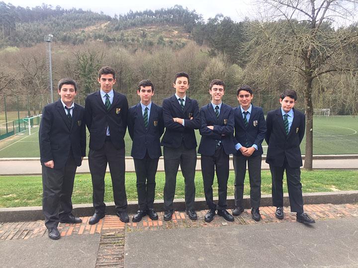 8 alumnos de Munabe, inmersos en el programa dual para obtener el Bachillerato americano