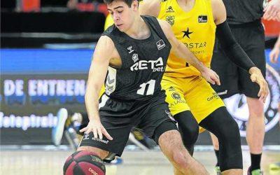El alumno Miguel Ruiz, en la élite del baloncesto nacional